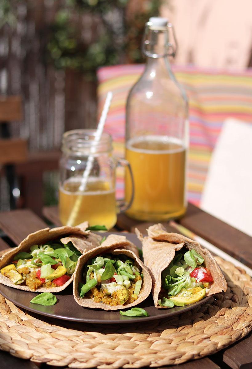Vegan Burrito with Red Lentils, Sauteed Zucchini and Fresh Veggies | Tofobo Family