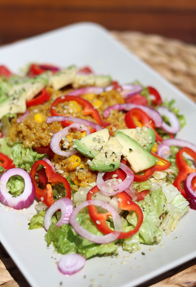 Quinoa salad with avocado, sweet corn and fresh veggies | Tofobo Family