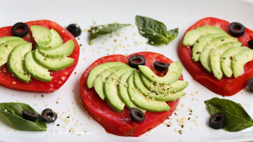 Simple And Delicious Tomato Avocado Salad | Tofobo Family