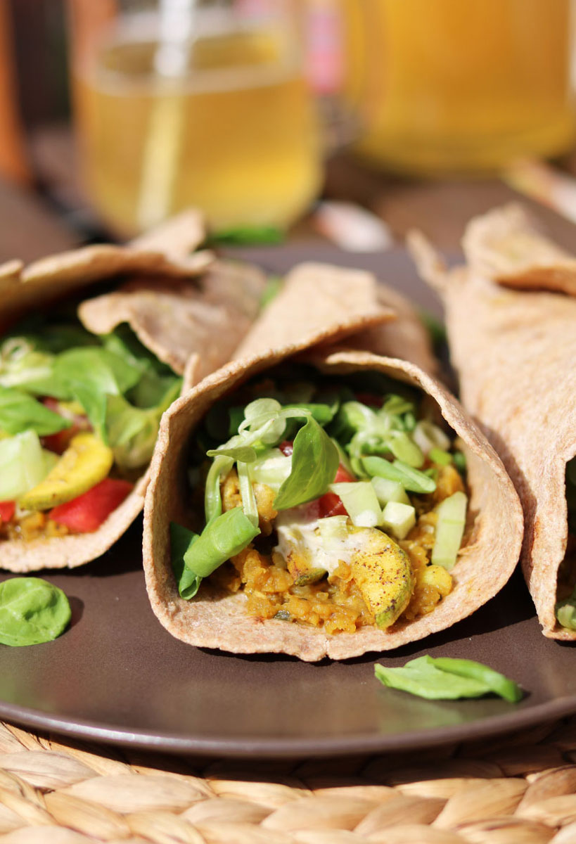 Vegan Burrito with Red Lentils, Sautéed Zucchini and Fresh Veggies | Tofobo Family