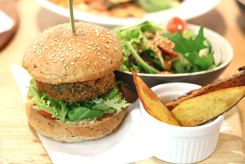 Vegan Burgers In Singapore (The Best 4 Places You Must Visit) | Tofobo Family