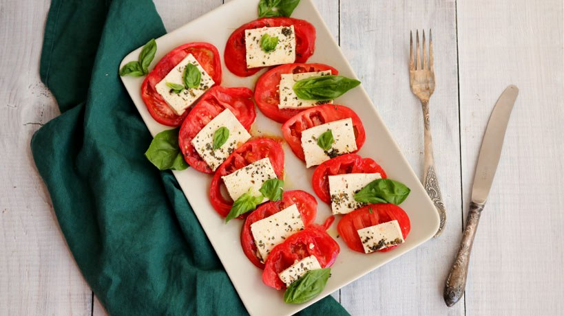 Vegan Caprese Salad with Tofu | Tofobo Family
